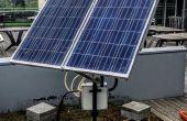 Seguidor solar de doble eje con monitor de energía en línea