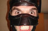 AWSOME mal culo LUCHADOR de lucha libre mascara SUPER (hecha de zapatos viejos)
