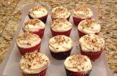 Para hornear Cupcakes de terciopelo rojo con betún de queso crema