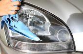 Limpie las luces nebulosas con pasta de dientes