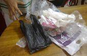 Conexión gran cantidad de bolsas de plástico en el espacio menos