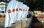 Cómo seleccionar una bandera volando al aire libre