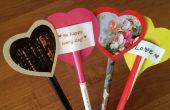 San Valentín fácil hecha de páginas de revistas, cartulina y papel
