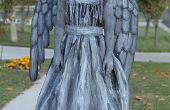 Llorando traje de Ángel o estatua