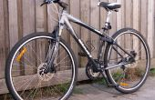 Cómo reemplazar el neumático de la bicicleta con pincho de liberación rápida