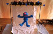 Grover gozando: Una marioneta basada en microcontrolador