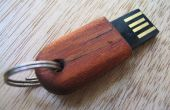 Pequeña memoria USB madera