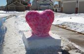 Corazón de nieve sobre un Pedestal de