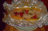Gourmet barbacoa había escalfado filetes de pescado mango fresa