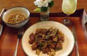 SÉSAMO de cerdo con coliflor, hongos SHIITAKE y CHÍCHAROS vainas en una libre de GLUTEN, libre de soya, TERIYAKI salsa de