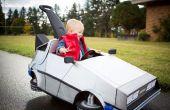 LITTLEST Marty McFly y su coche Delorean de empuje