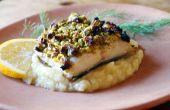 Puré de pistacho bacalao en costra de parmesano con chirivía