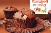 Centro de Nutella Chocolate Chip Muffins con una trufa de Nutella