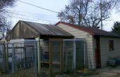 Construir un techo con paneles de valla de cedro reclamado