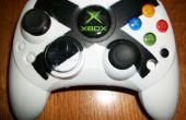 Trabajo de pintura de controlador Xbox viejo.