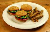 Cupcakes de hamburguesa con papas fritas de galleta de azúcar