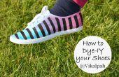 A su vez los zapatos de lona blanca en tres colores entonados rayas zapatos utilizando medio de contraste