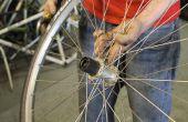 Sustitución de un cuerpo de buje de una rueda de bicicleta trasera.