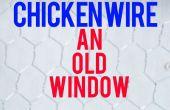 Alambre de pollo una ventana vieja