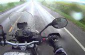 Seguridad de la motocicleta: El montar en la lluvia