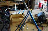 Construir un taburete de la tienda fuera una basura bicicleta