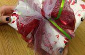 Envoltura de regalos de Navidad rápido con lazo de tul