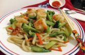 Clásico asiático Udon fideos Stir Fry