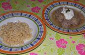 Albóndigas y Sauerkraut sopa (plato Húngaro)