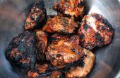 Barbacoa pollo Thighes - A paso encima del método cavernícola