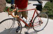 Una bicicleta vieja repainting