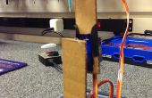 Brazo robótico simple de piezas de cartón