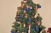 ¿Cuál es la mejor manera de decorar un pequeño y el árbol de Navidad festiva?