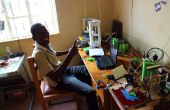 Mantenimiento de una planta de impresión 3D en pequeña escala en Uganda