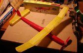 Cubriendo un avión modelo en tejido
