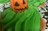Poison Apple Ale pasta de goma y Cupcakes fantasmas y Jack-O-Lanterns