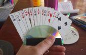 Titular de la tarjeta de juego para niños y personas que tienen un tiempo duro con tarjetas.