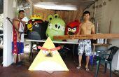 Disfraz de Angry Birds de papel maché!