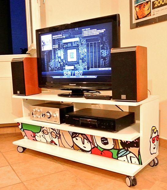 Un pc encerrado en un mueble de ikea benno tv - Mueble cd ikea ...