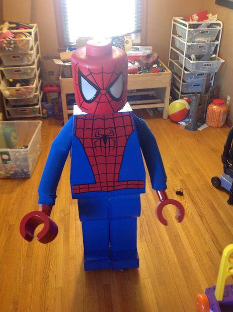 b3ebeab4 Así que esto era el primer año en que mi hijo realmente cuidó lo suficiente  como para tener cualquier entrada en su disfraz de Halloween.
