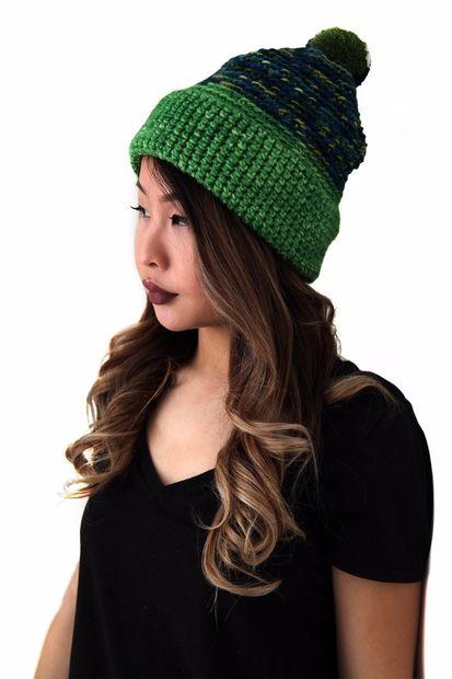 Cómo Crochet un sombrero de Pom Pom alpino - askix.com