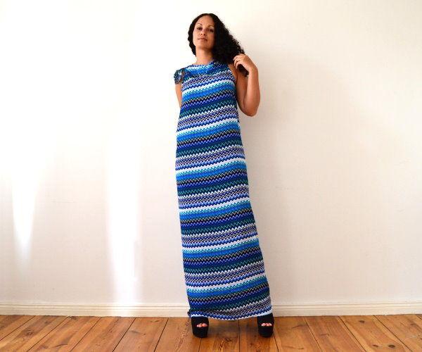 9404594769 En este rápido y fácil tutorial muestro cómo crear un hermoso vestido maxi  en un par de minutos. Disfrute  )