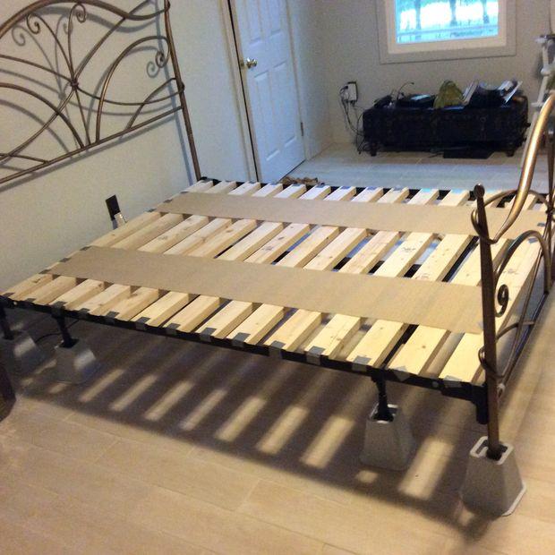 Base para cama de espuma de memoria tamaño Queen de marco básico ...
