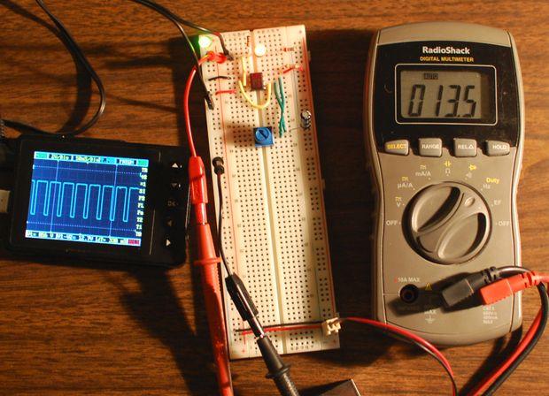 Circuito Oscilador 555 : Tema osciladores y temporizadores by fran alonso martin on prezi