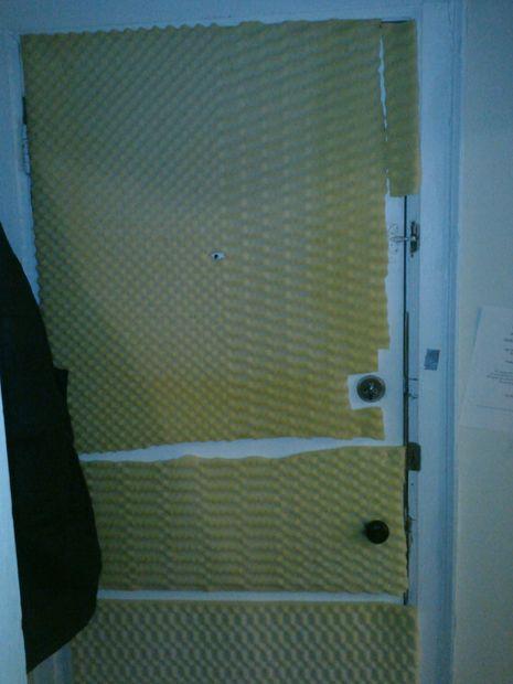 Insonorizar la puerta de su apartamento. barato. - askix.com