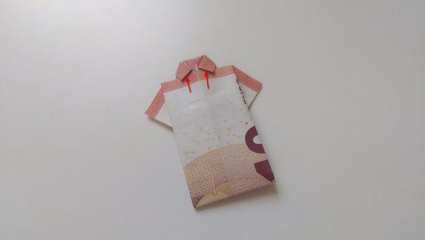 Cómo Doblar Una Camisa De Papel Moneda Paso 9 Coloque La Parte