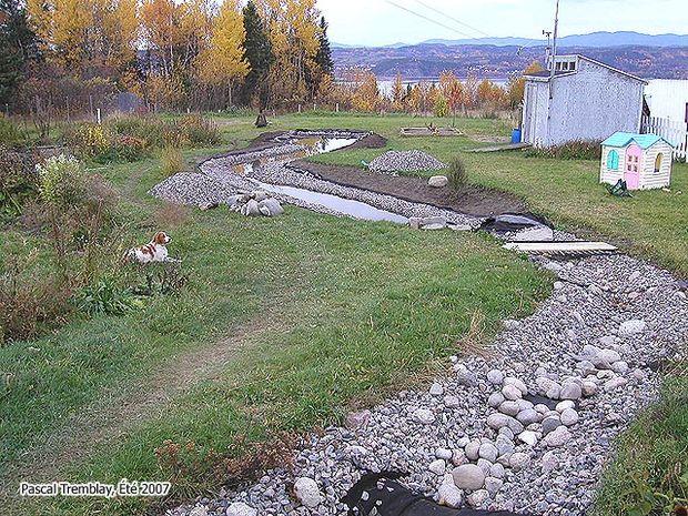 Corriente de jard n construir una corriente o un arroyo for Filtro natural para estanque