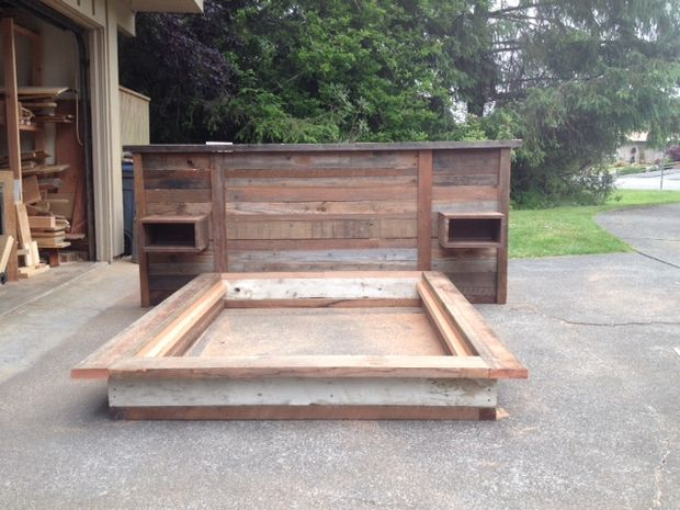 Chatarra madera cabecero y cama de plataforma - askix.com