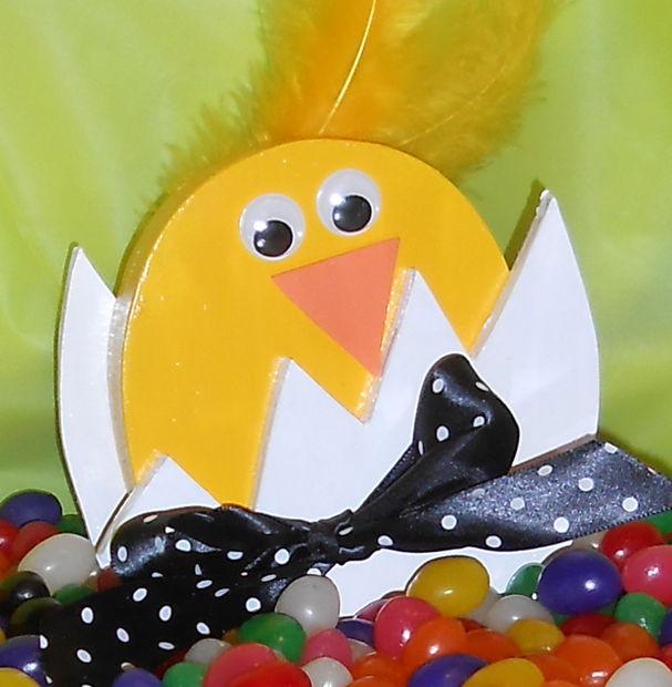 POLLITO en huevo artesanal: hecho del MDF - askix.com