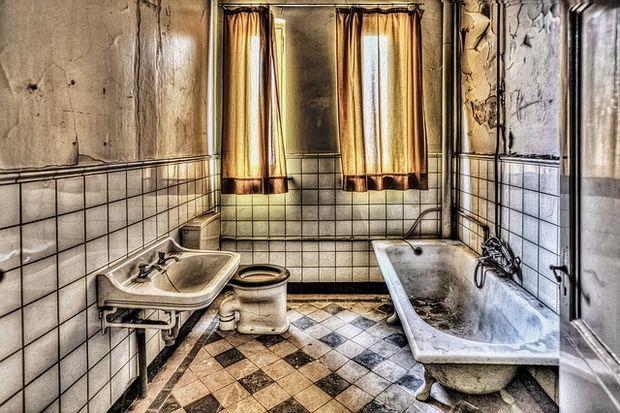 Hacer su cuarto de baño limpio como un boticario en 8 pasos - askix.com