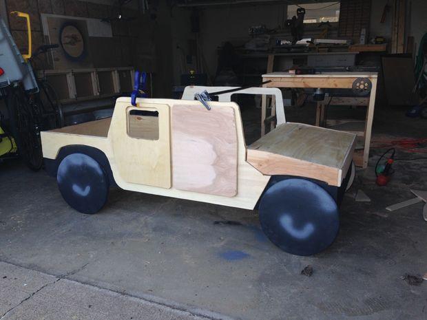 Cama del niño Humvee con caja de juguetes / Paso 3: Detalles de ...